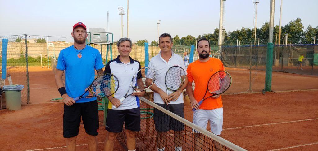 da sx i vincitori doppio Speronello-Martinolli e finalisti Ferrarese-Spadini